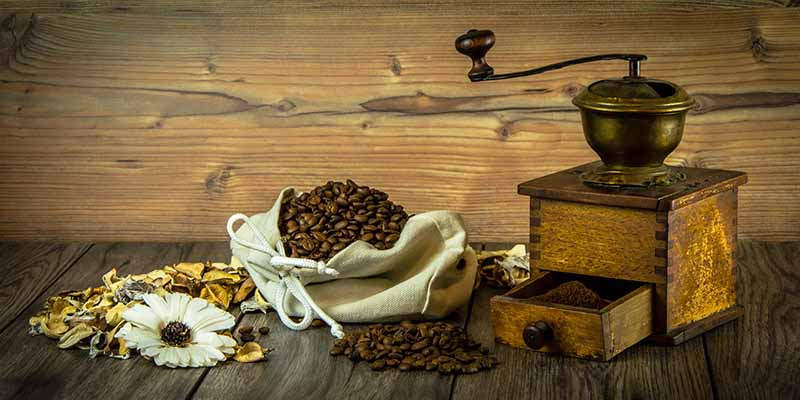 How To Manually Grind Coffee Beans